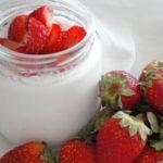 Iogurte com pedaços de Morango